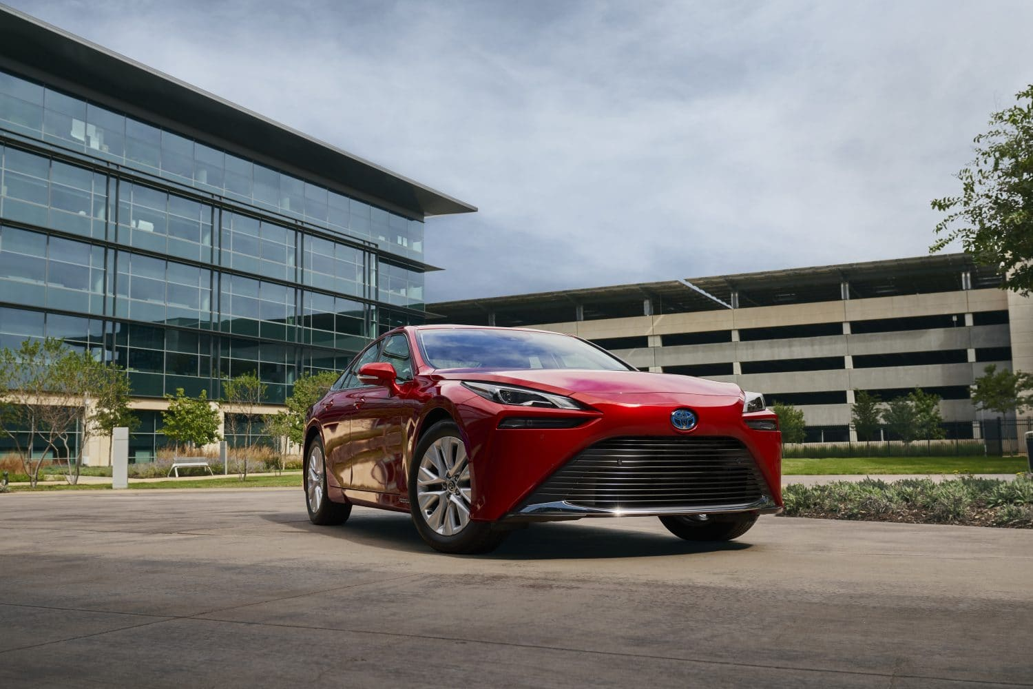 Toyota Mirai Released with Cutting Edge Technology and Enhanced Safety