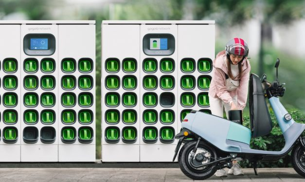 Gogoro Reaches 400,000 Monthly Battery Swapping Subscribers, Surpasses 200 Million Battery Swaps