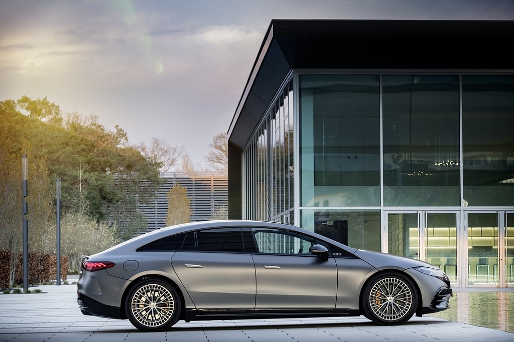 Exterior design with characteristic AMG features